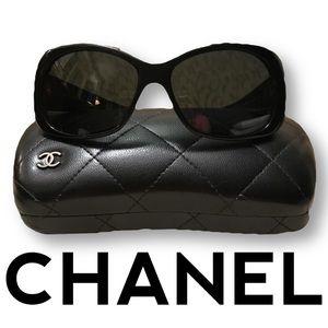 💥Genuine💥 Chanel sunglasses with case